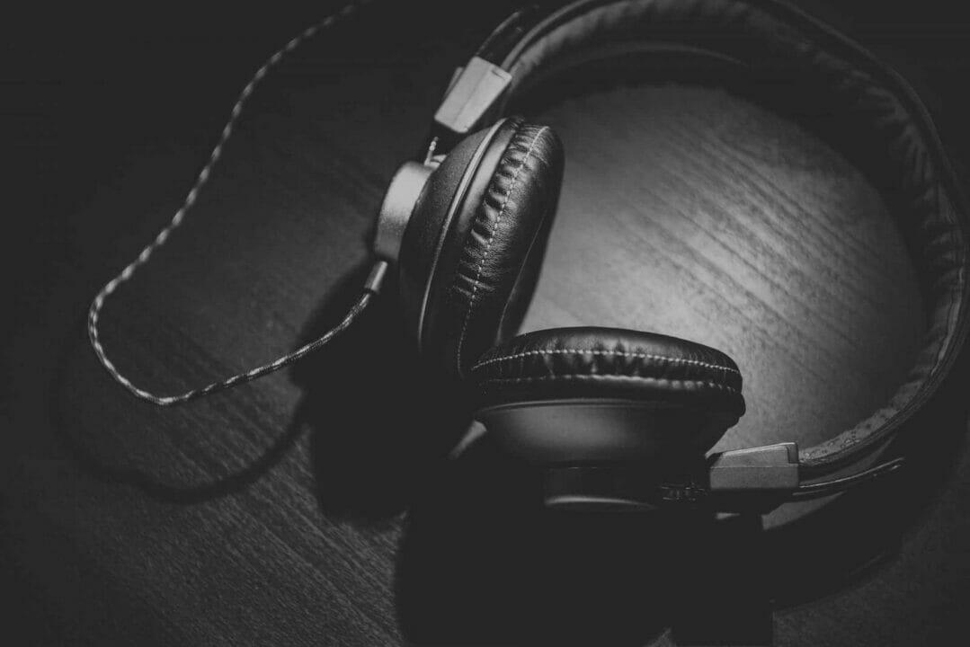 10 Best Noise Cancelling Headphone Under 200